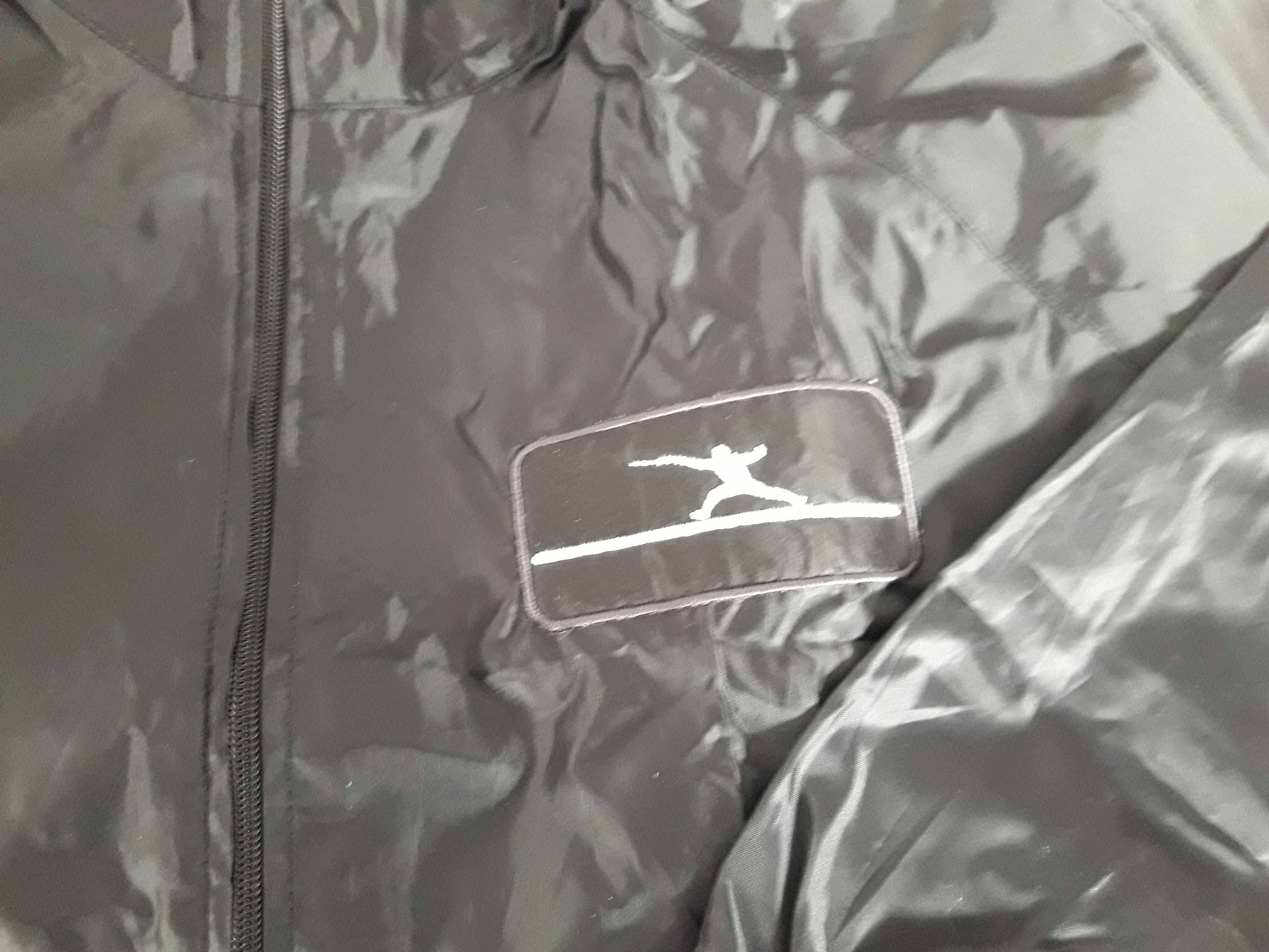 Ελληνικό Αντιανεμικό jacket με σήμα έναν μονομάχο